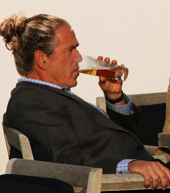 humour bush man bun cheveux long style couette