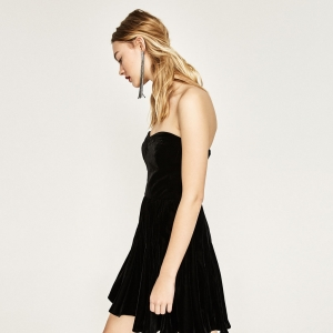 Magnifique robe patineuse en velours noire