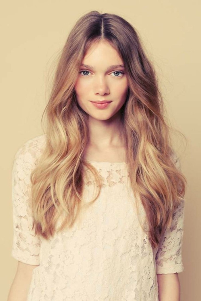 longer hair styles coiffure femme cheveux blond 3696