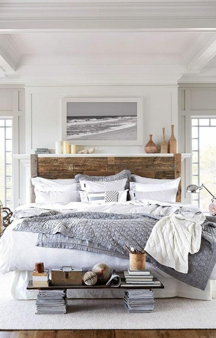 idee-peinture-chambre-adulte-murs-en-blanc-et-taupe-peinture-de-locean-elements-de-bois-effet-cheminee