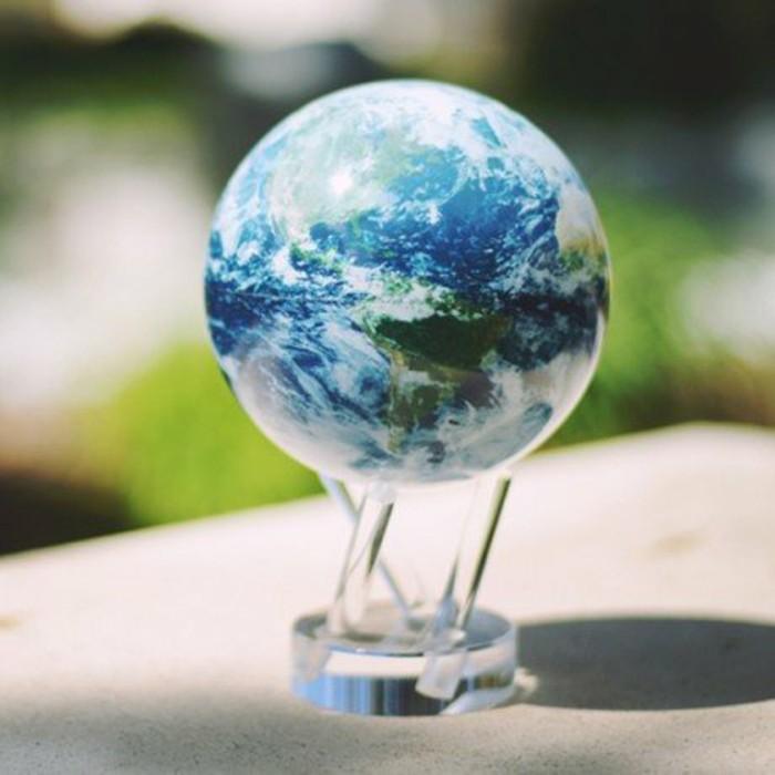 idees-de-cadeaux-pour-noel-chouette-globe-flottant-resized