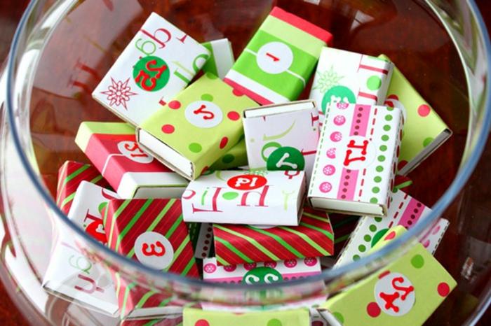 idee-superbe-pour-un-calendrier-de-l-avent-compose-a-fabriquer-avec-des-boites-d-allumettes-joliment-decorees-et-numerotes