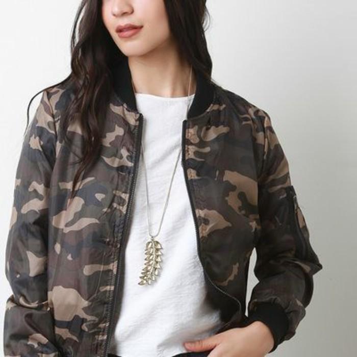 imprime-camo-veste-camouflage-femme-courte-veste-bomber