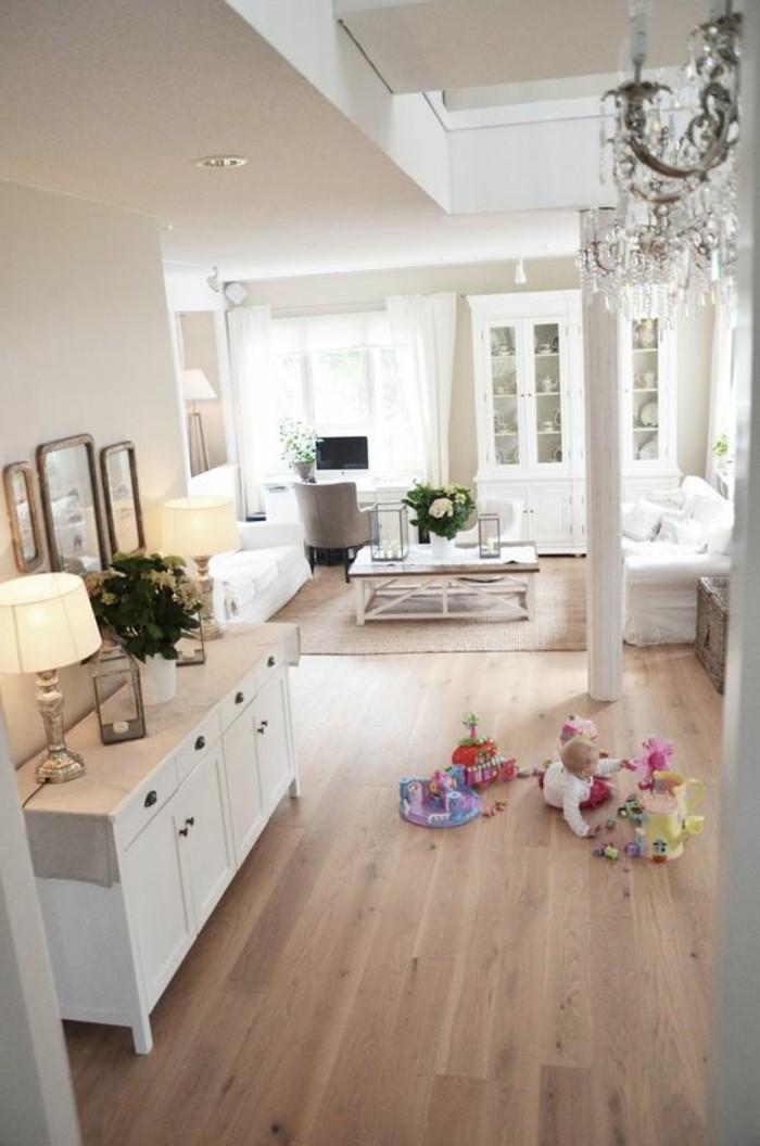 interieur-classique-sol-en-parquet-clair-parquet-chene-massif-clair-table-basse-en-bois