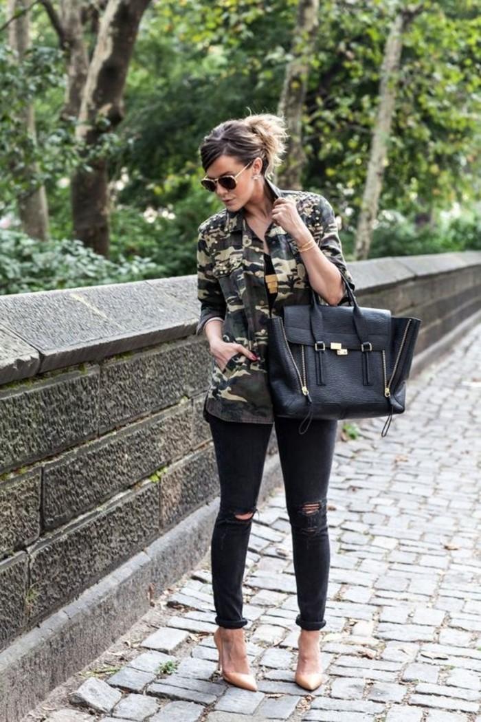 jean-troue-noir-sac-en-cuir-veste-femme-militaire-camo