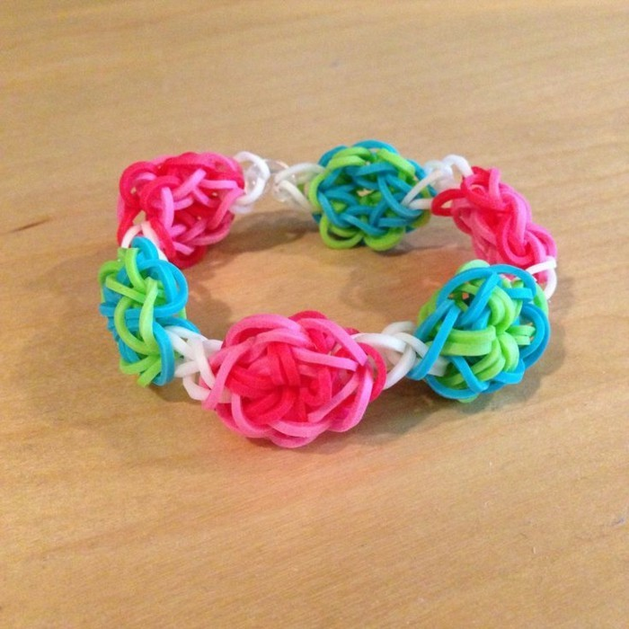 Comment faire des bracelets en lastique tuto et - Bracelet a faire soi meme modele ...