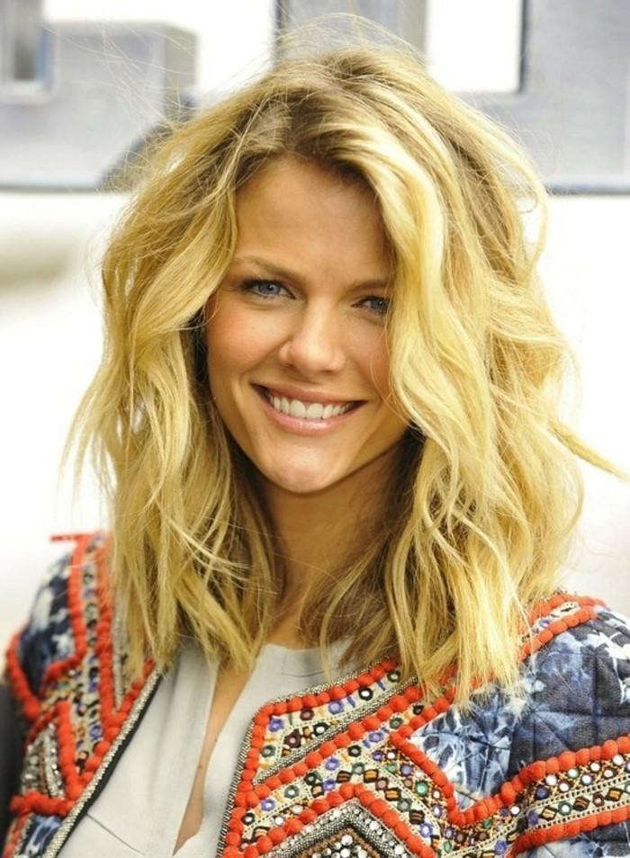 jolie-coupe-carre-long-coiffure-mi-long-idee