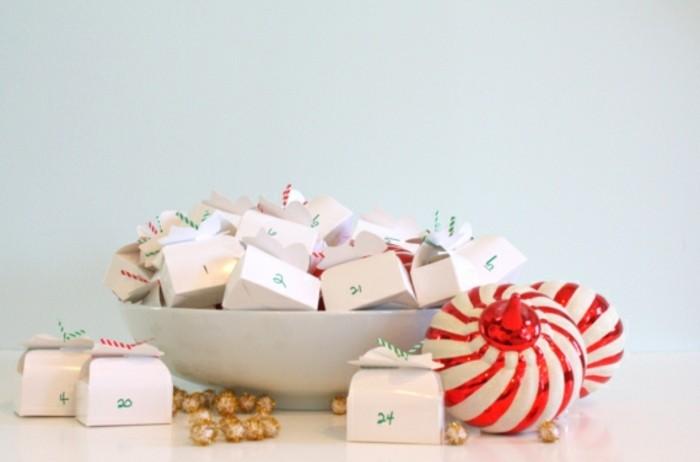 jolies-petites-boites-blanches-contenant-des-surprises-idee-pour-calendrier-de-l-avent-adulte