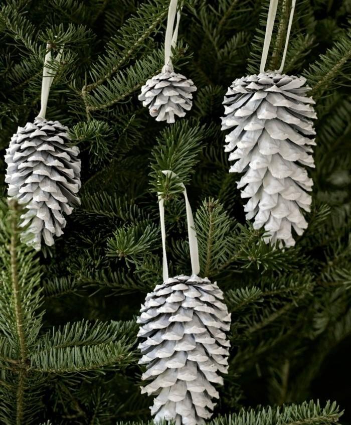 jouets-pour-votre-sapin-de-noel-pommes-de-pin-blanchies-decoration-de-noel-a-fabriquer
