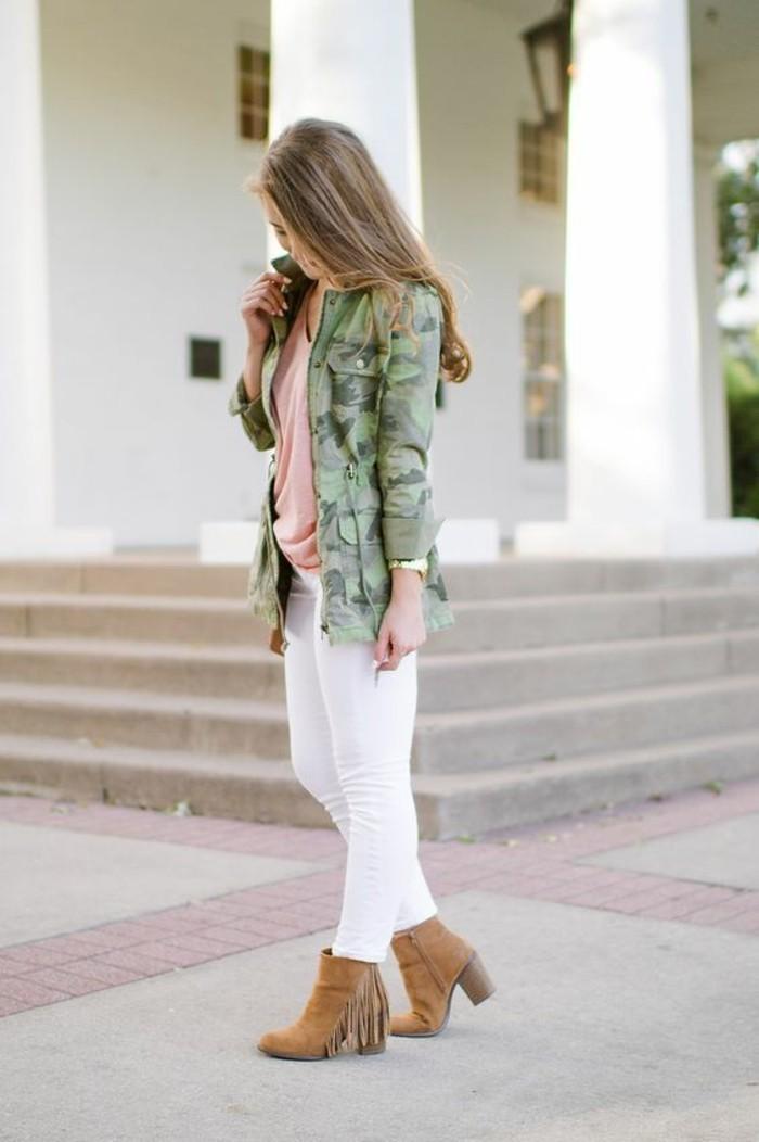look-romantique-veste-camouflage-femme-avec-poches