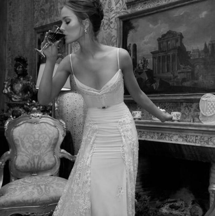 magnifique-idee-robe-mariage-robes-de-mariee-simple-longue-droite-belle-photo-noir-et-blanc