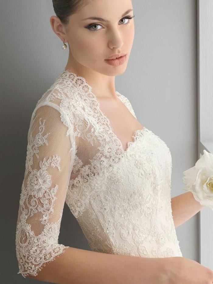 magnifique-robe-de-mariee-princesse-exquis-belle-avec-rose