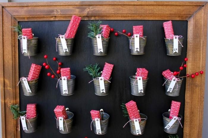 magnifique-suggestion-calendrier-de-l-avent-petits-seaux-remplis-de-surprises-decoration-de-noel-a-fabriquer