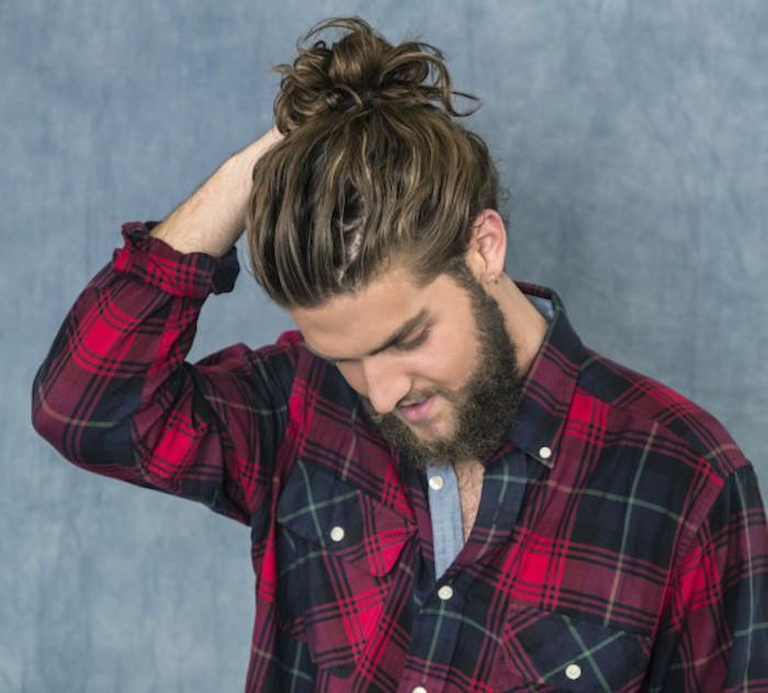 man bun chignon homme cheveux longs style