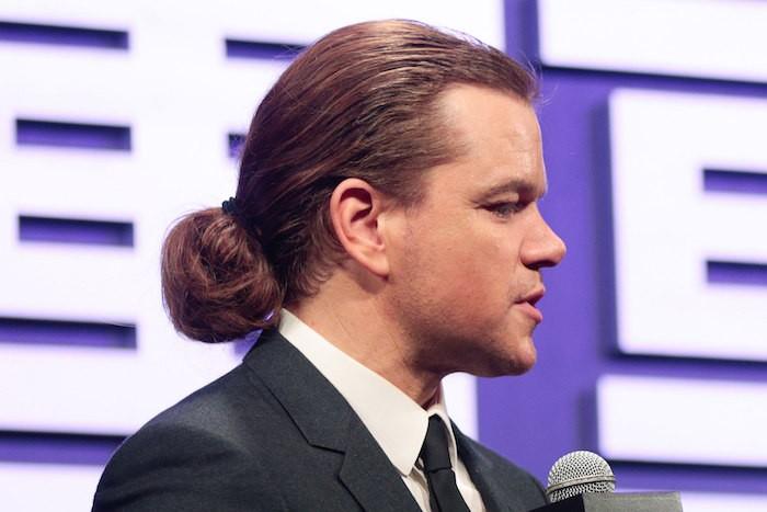 matt-damon-manbun-photo-homme-cheveux-longs-star-celebre