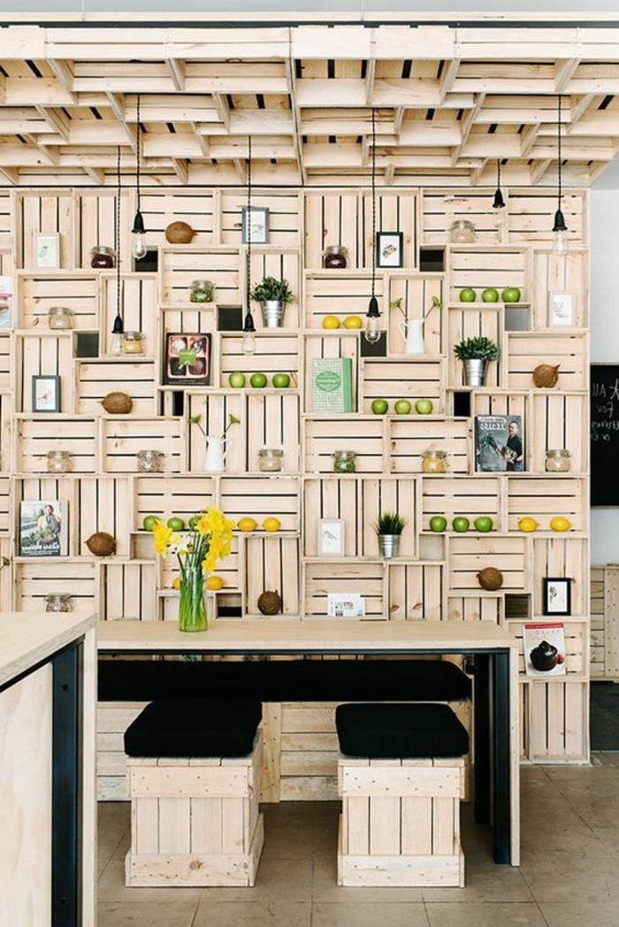 meuble-en-palette-de-bois-citrons-decoratifs-fleurs