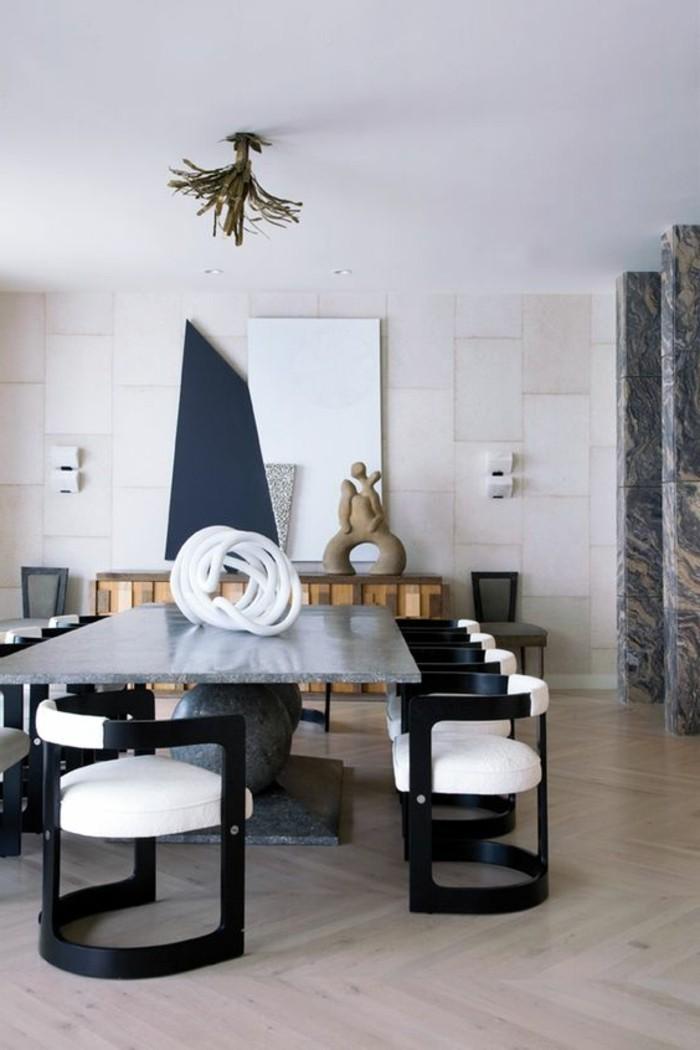 meubles-de-salle-a-manger-chaises-bicolores-parquet-chevron