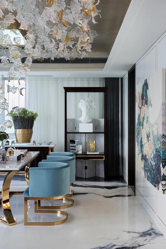 meubles-de-salle-a-manger-chaises-bleues-pietement-metallique