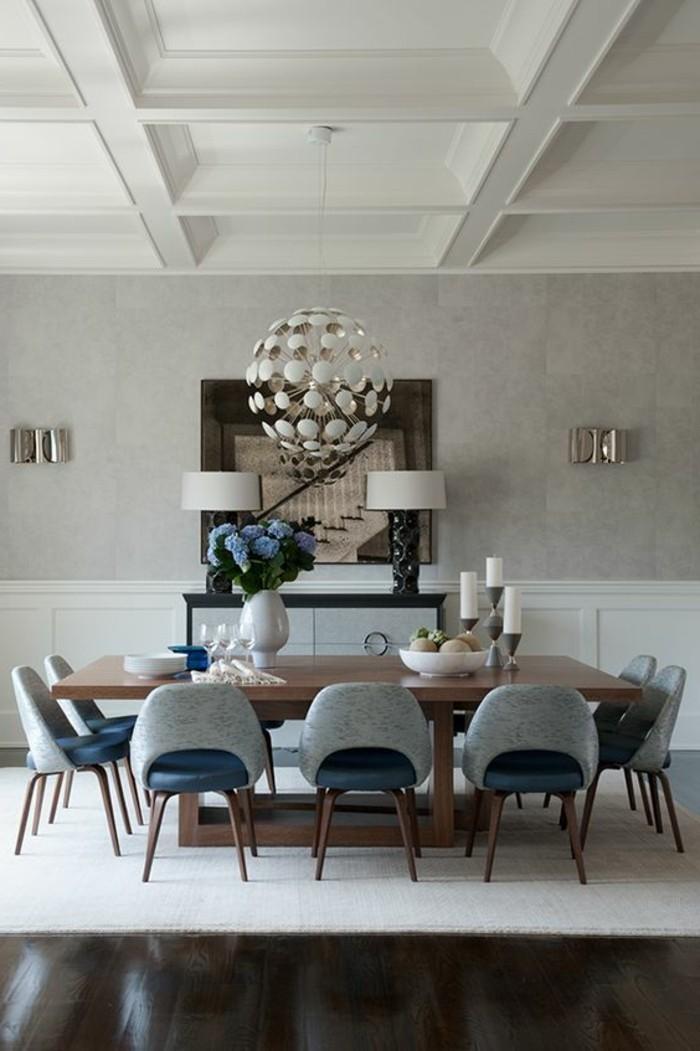 meubles-de-salle-a-manger-chaises-grises-tapis-blanc