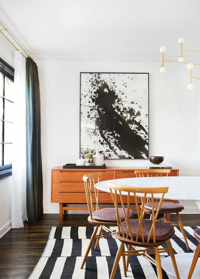 meubles-de-salle-a-manger-tais-a-rayures-table-ovale