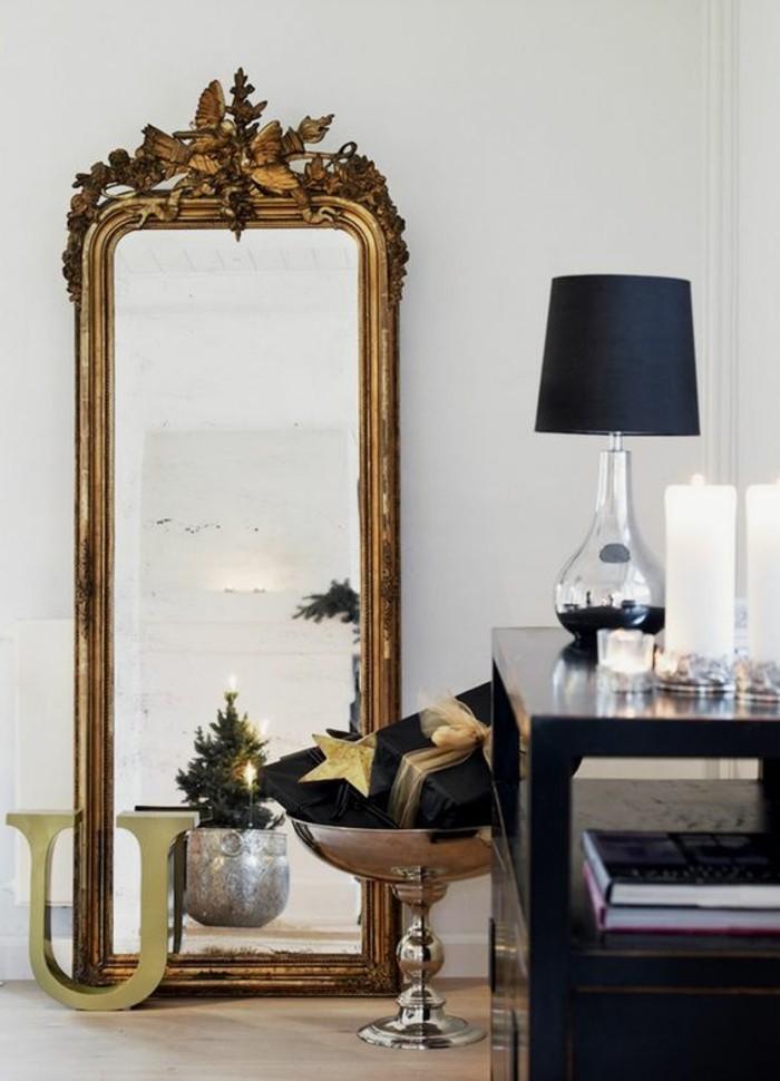 Le miroir mural grande taille accessoire pratique et for Miroir baroque grande taille