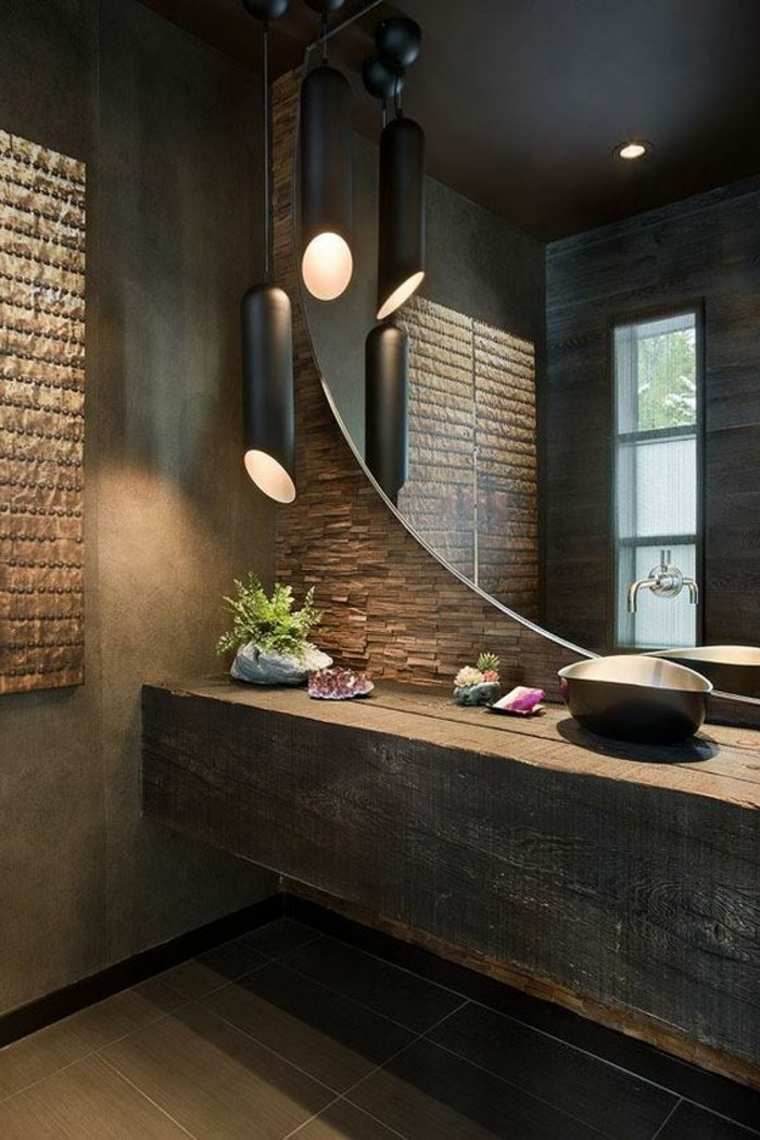 Le miroir mural grande taille accessoire pratique et for Taille salle de bain