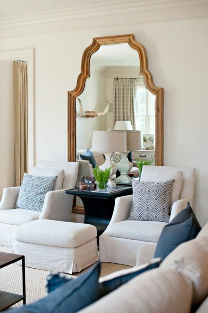 Le miroir mural grande taille accessoire pratique et for Miroir original salon