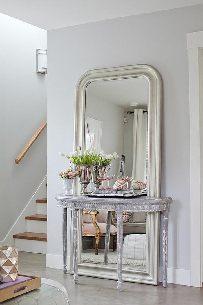 Le miroir mural grande taille accessoire pratique et - Grand miroir a poser au sol ...