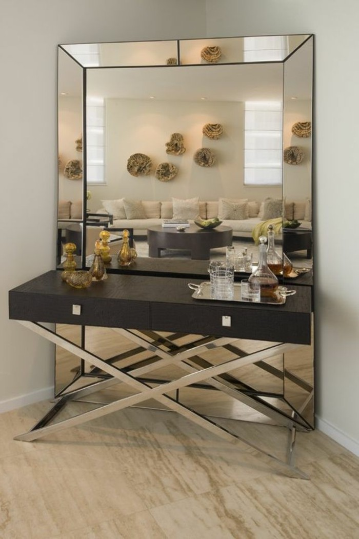 grand miroir mural moderne id e inspirante pour la conception de la maison. Black Bedroom Furniture Sets. Home Design Ideas