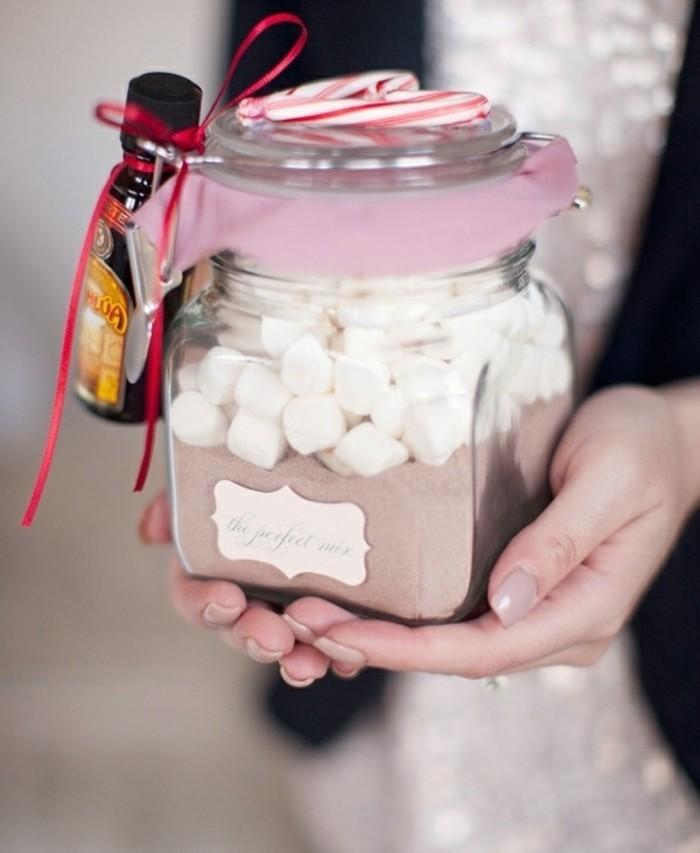 mix-chocolat-chaud-idee-cadeau-de-noel-a-fabriqer-gourmande-un-cadeau-genial