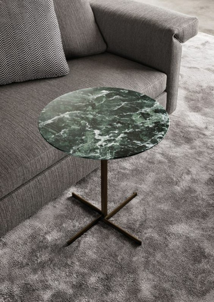mobilier-salon-au-design-contemporain-table-basse-dappoint-en-marbre-vert-veine