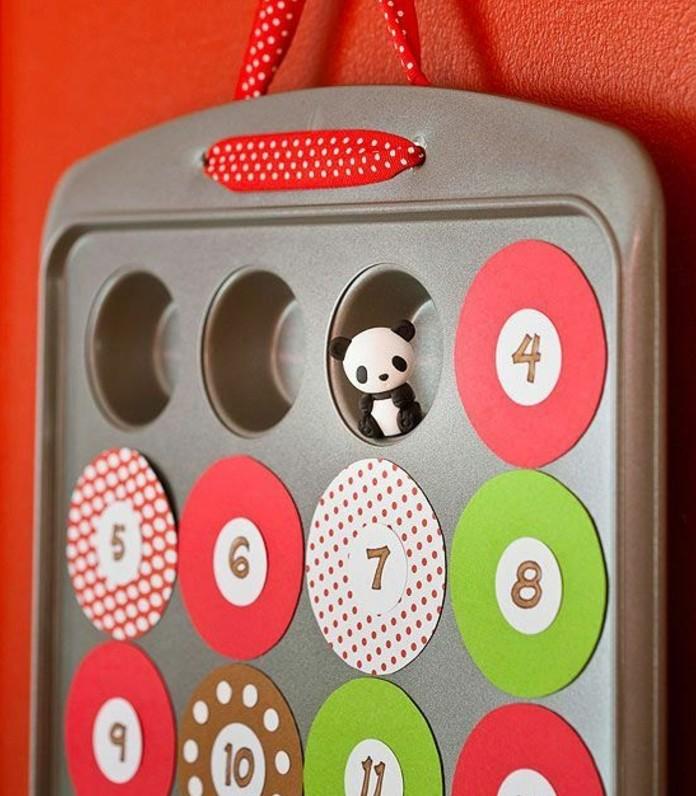 moule-a-muffins-transforme-en-calendrier-de-l-avent-cases-qui-cachent-des-cadeaux-secrets