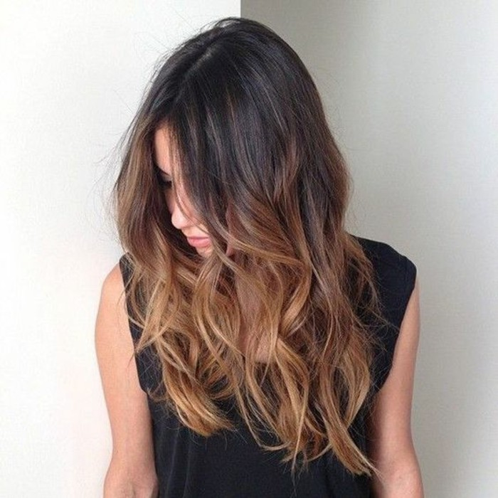nos-idees-coupe-cheveux-long-visage-rond-a-coupe-degrade-cheveux-long-moderne