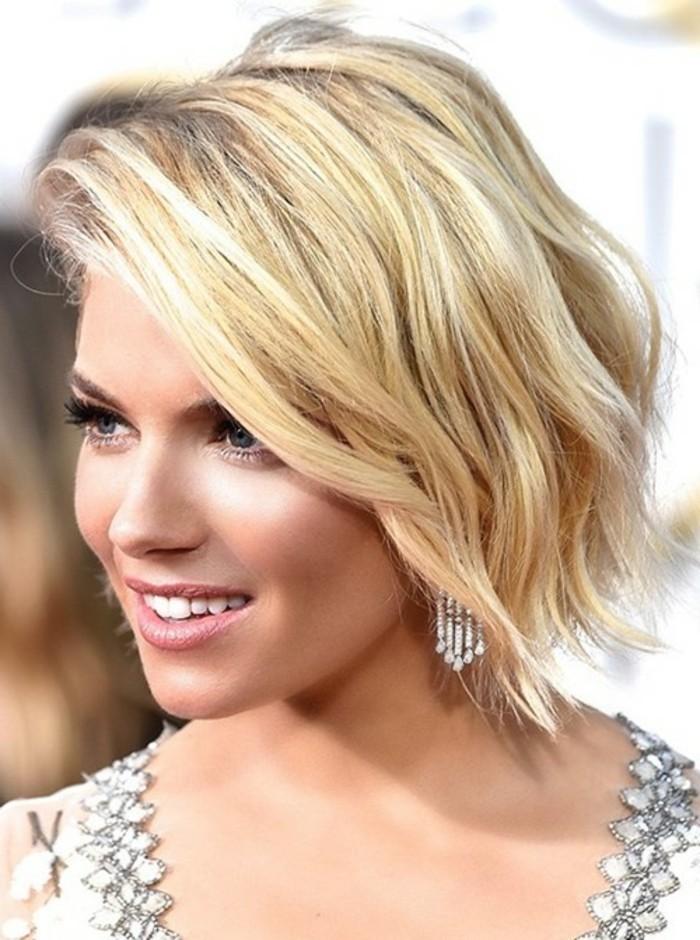 nos-idees-coupe-de-cheveux-femme-mi-long-blonde