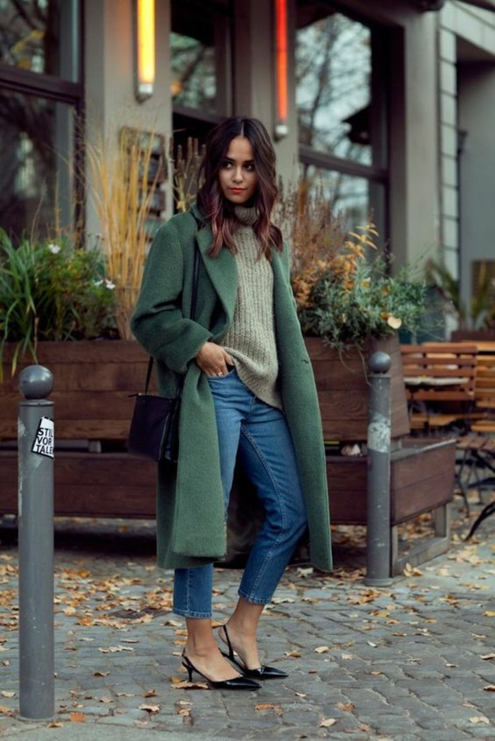 nuances-du-vert-jean-et-pull-en-laine-femme