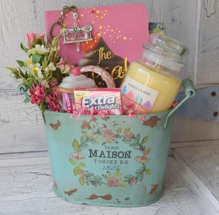 panier-cupcake-a-offrir-a-ses-proches-et-amis-joli-cadeau-a-faire-soi-mme