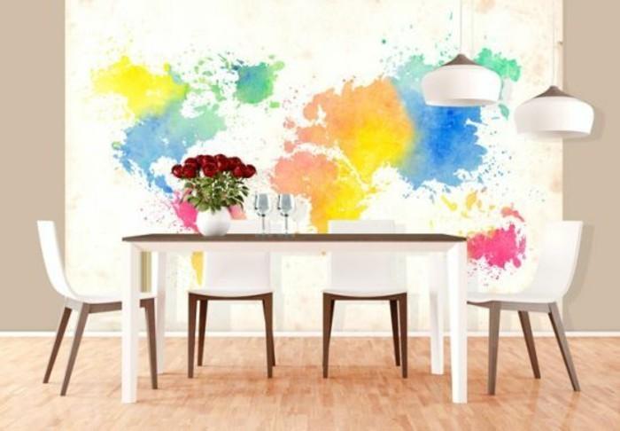 papier-peint-mappemonde-colore-salle-a-manger-moderne-parquet-clair