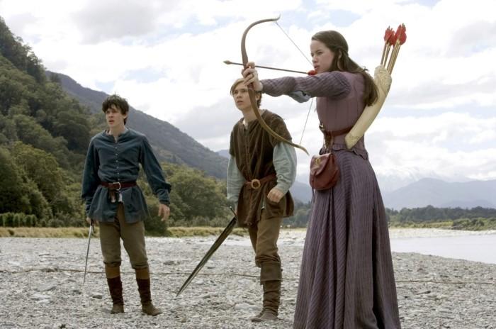 personnage-archer-tres-populaire-du-monde-de-narnia-arc-medieval-comment-fabriquer-un-arc