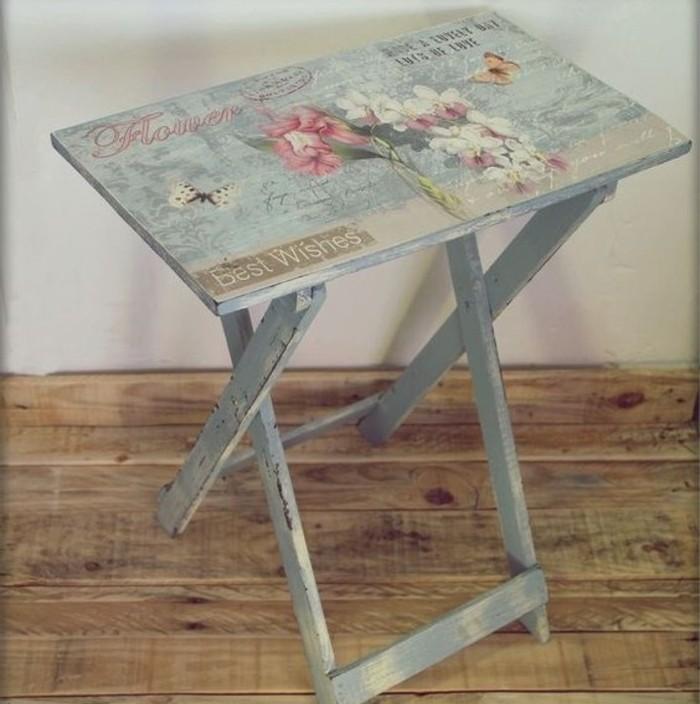 Serviettage ou d copatch plus de 70 id es diy pour une d co cr ative - Fabriquer une table pliante ...