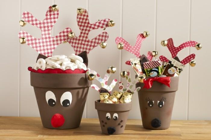 pots-de-fleurs-decores-de-maniere-superbe-et-remplis-de-bonbons-idee-de-cadeau-de-noel-diy