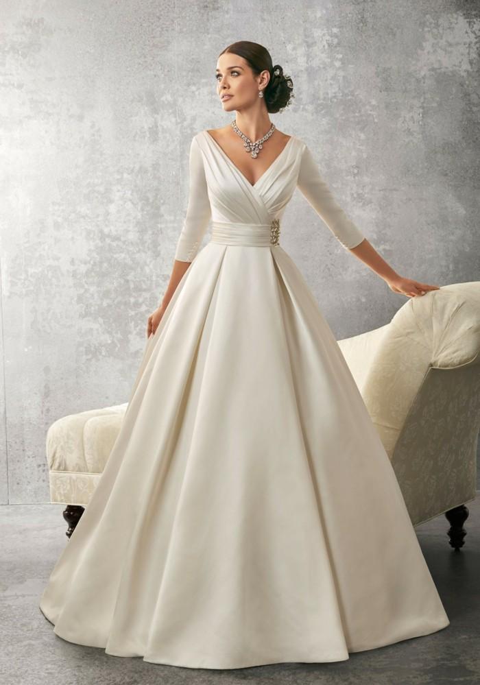 princesse-robe-de-mariee-tres-simple-mariee-grande-robe-avec-manches