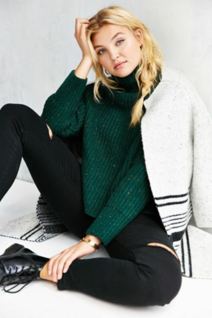 pull-chaud-femme-hiver-couleur-verte-slim-noir