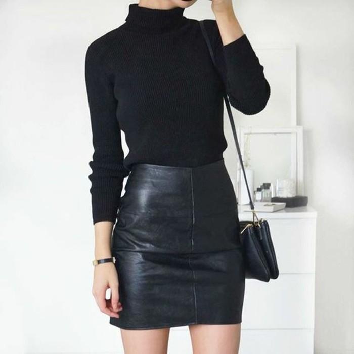 pull-col-roule-classique-tenue-noire-jupe-en-cuir