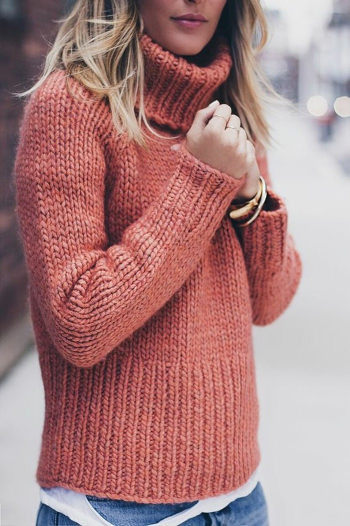 pull-grosse-maille-a-col-roule-couleur-coral
