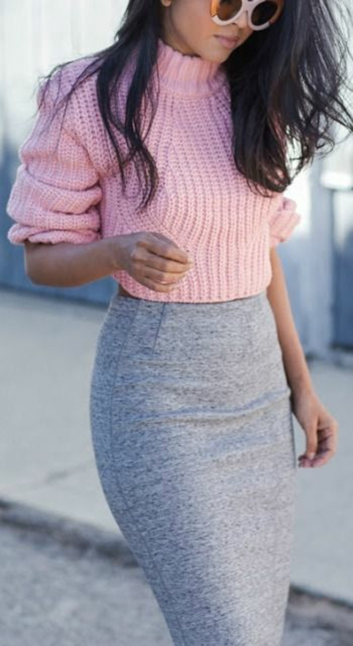 pull-grosse-maille-rose-jupe-moulant