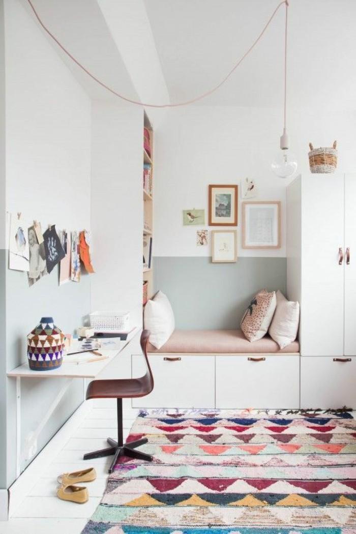 quelle-couleur-pour-une-chambre-tapis-colore-murs-blancs-accessoires-de-bois-lit-en-cuir-rose