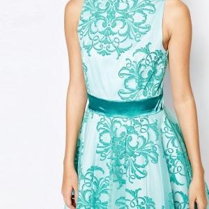 Robe de princesse de la collection d'Ashley Roberts