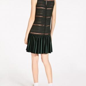 Formidable robe en velours et organza