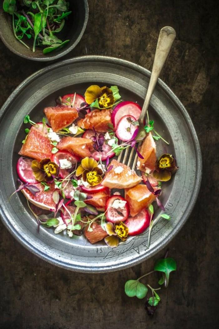 salade-de-pamplemousse-au-radis-frais-et-epices