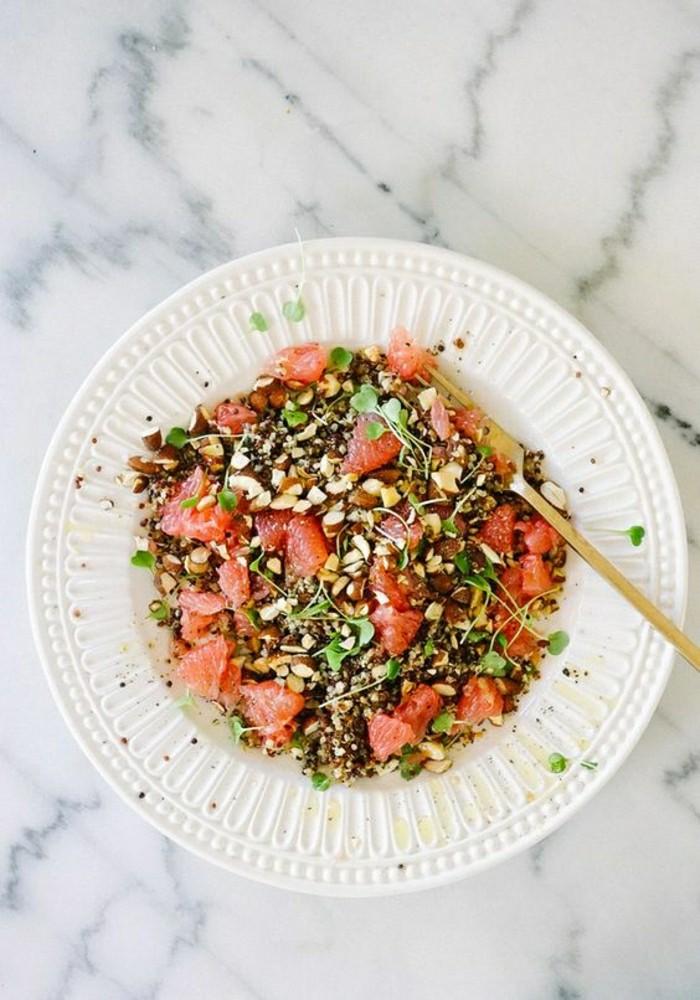 salade-de-pamplemousse-salade-aux-noix-et-au-quinoa